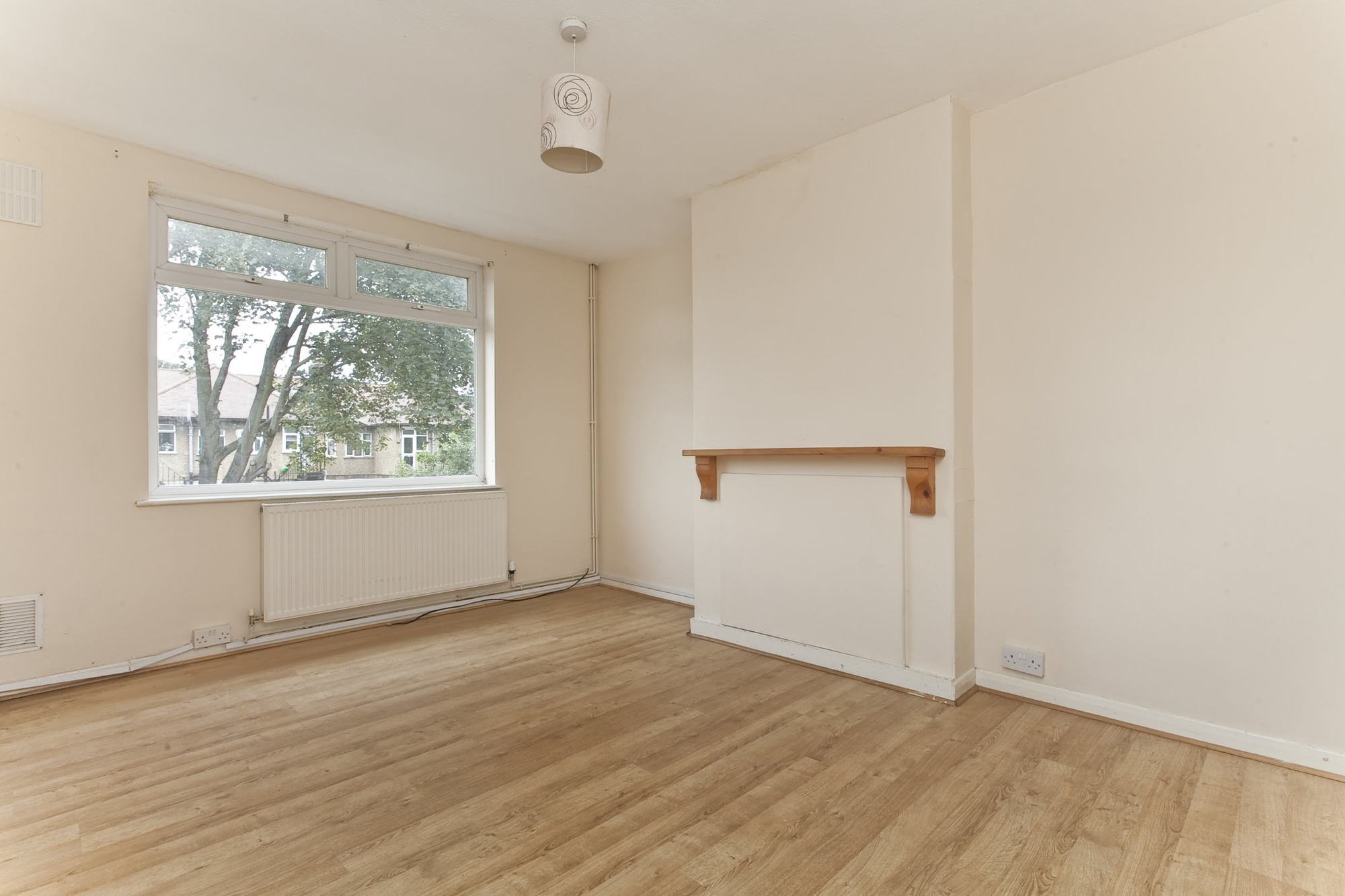 House in Kitchener Road - Walthamstow, E17 (2 Bed) | ludlowthompson