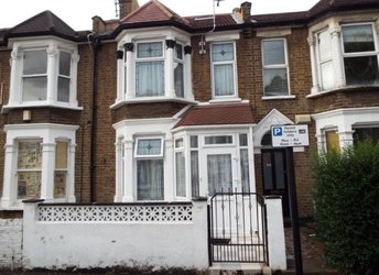 Windsor Road, Leyton,             E10