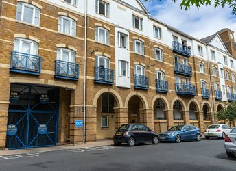 Sandringham Court, King and Queen Wharf, Rotherhithe/Canada Water,             SE16