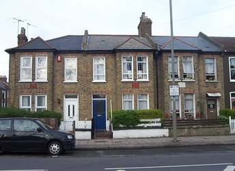 Blackshaw Road, Tooting Triangle,             SW17