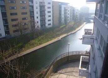 Salmon Lane, Limehouse,             E14