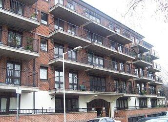 Fletcher Street, Tower Hill,             E1