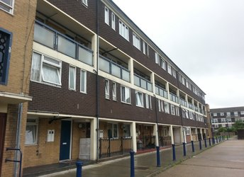 Lawrence Close, Bow, E3