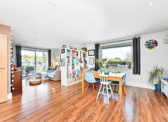 Willow Way, Lower Sydenham,             SE26