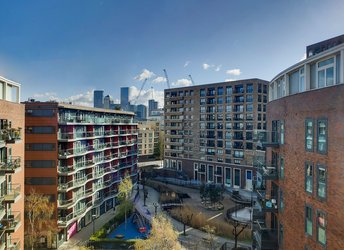 Surrey Quays Road, Rotherhithe/Canada Water,             SE16