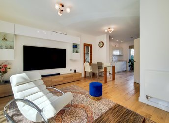 Holland Grove, Stockwell,             SW9